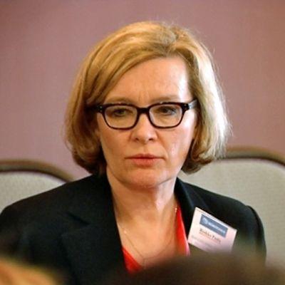 Hyvinvointiryhmää johtaa Paula Risikko.