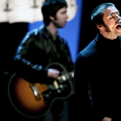Noel ja Liam Gallagher esiintyvät saksalaisessa tv-ohjelmassa helmikuussa 2009.