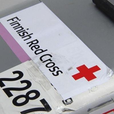 Punaisen Ristin työntekijöiden varusteita lähdössä Libyaan.