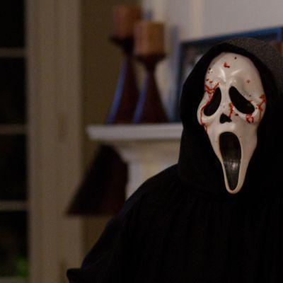 Naamarimurhaaja elokuvassa Scream 4