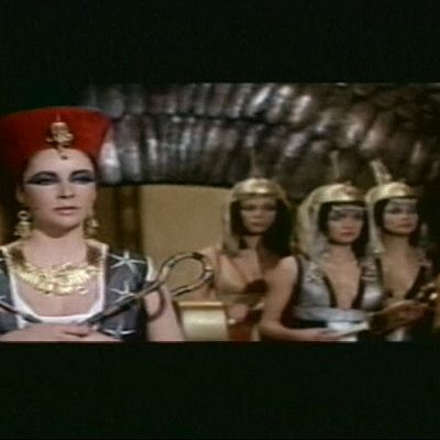Elizabeth Taylor elokvuassa Kleopatra vuonna 1961.