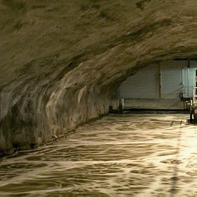 Jätevesiallas kallioluolassa Viikin puhdistamossa