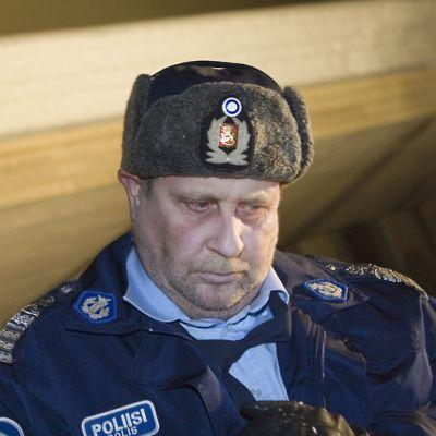 Kari Väänänen näyttelee poliisipäällikkö Kauko Junnia.