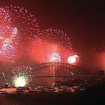 Ilotulitus Sydneyn yllä.