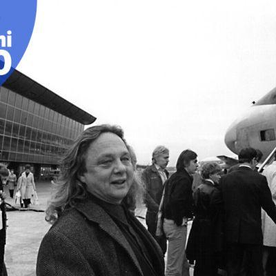Keihäsmatkat Oy:n toimitusjohtaja Kalevi Keihänen Helsinki-Vantaan lentoasemalla. Keihäsmatkat lennätti 1960- ja 1970-luvuilla suomalaisia manner-Espanjaan ja Kanariansaarille.