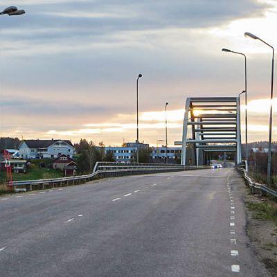 Rajasilta Tornionjoen yli Matarenkiin