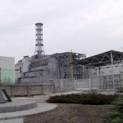 Tshernobylin tuhoutunut  ydinvoimala.