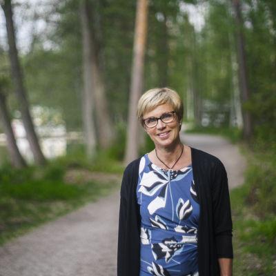 Veronica Rehn-Kivi, ordförande för stadsstyrelsen i Grankulla, och fullmäktigeledamot för Svenska folkpartiet.