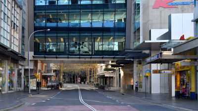 Gatorna i centrum av Sydney låg öde då de nya reglerna infördes.
