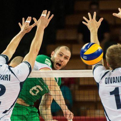 Olli Kunnari ja Matti Oivanen Suomi-Bulgaria-ottelussa 2014