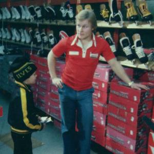 Risto Siltanen työskenteli päivätyökseen urheiluvälinekaupassa 1978.