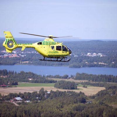 Finnhems ambulanshelikopter.