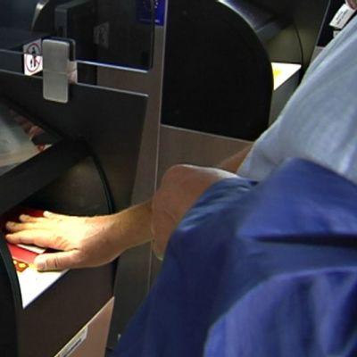 Passintarkastusautomaatti