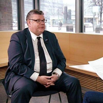 Timo Soini Yle Newsin haastattelussa 3. maaliskuuta.