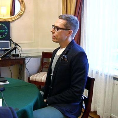 Pääministeri Stubb haastateltavana 9. marraskuuta.