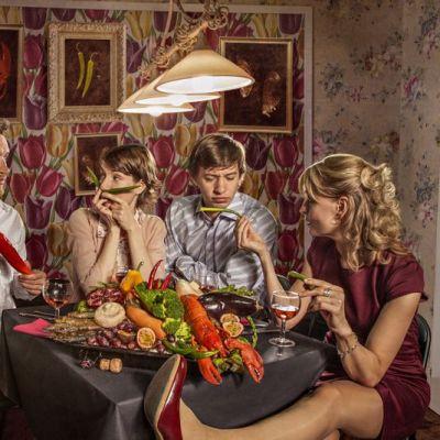 Ihmisiä lautasella, pressikuva