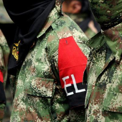 Kolumbian ELN-kapinallisryhmän sotilaitanassa.