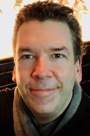 Säveltäjä Sebastian Fagerlund Musiikkitalossa maaliskuussa 2021.