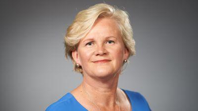 Bild på Nina Nordsröm som är Finlands permanenta representant i Europarådet