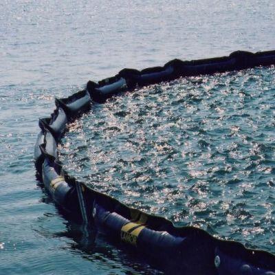 Oljebom till havs