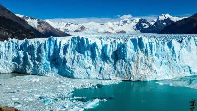 Kuvassa Perito Morenon jäätikön reuna Argentiinassa.