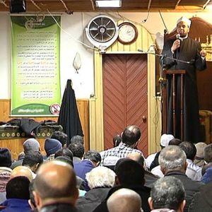 Det är trångt i moskén i Helsingfors