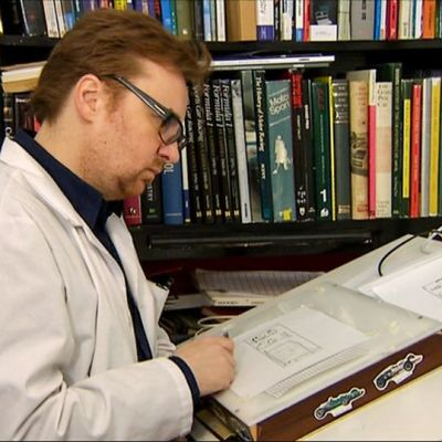 Fingerporin käsikirjoittaja ja piirtäjä Pertti Jarla.