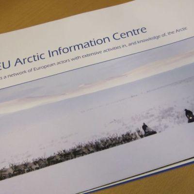 EU:n Arktinen informaatiokeskus -esite