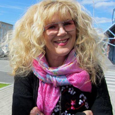Muusikko Anna-Mari Kähärä.