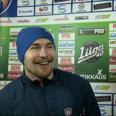 Pekka Jormakka ja Pekka Saravo haastattelussa