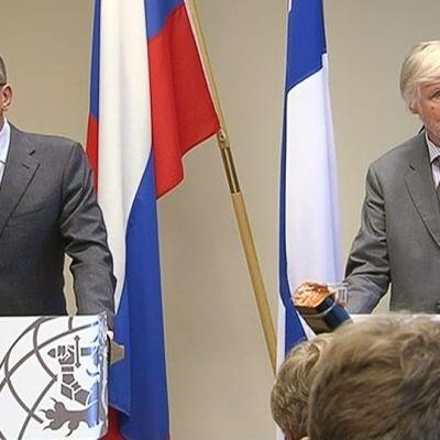Sergej Lavrov och Erkki Tuomioja.