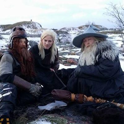 Sormusten herran taruhahmot GImli (Risto Kuusisto), Legolas (Tero Karhu) ja Gandalf (Juha Roiha) Suomenlinnassa