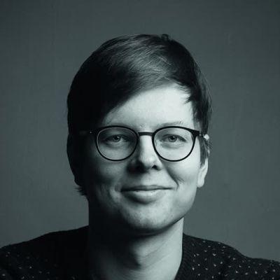 kirjailija Juhani Karila