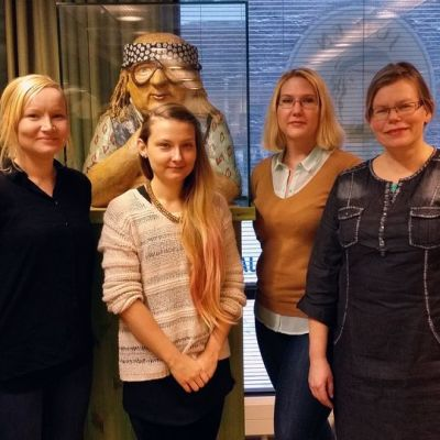 Matkabloggaajia Juicen kirjastossa Tampereella