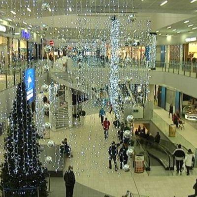 Kauppakeskus goodmanin sisäaukio jouluna