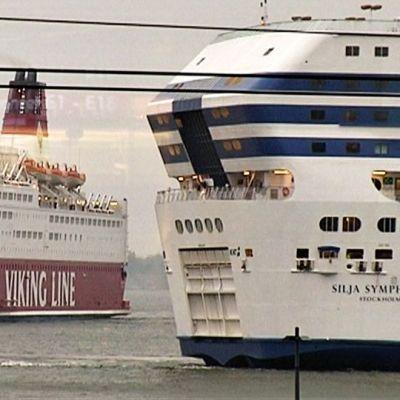 Ruotsinlaivat Helsingin satamassa.