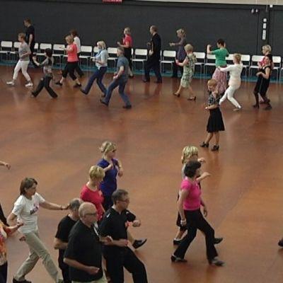 Seinäjoen Tangomarkkinoiden tanssileiri käynnissä.