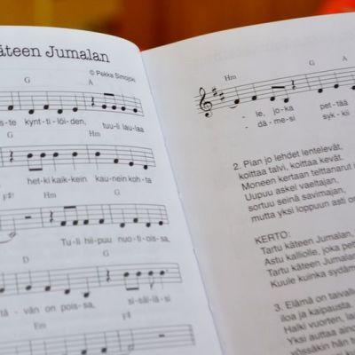 Rippikoulu nuorten laulukirja