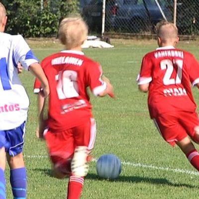 Jalkapallon junioripelaajia Pori Cupissa 2014