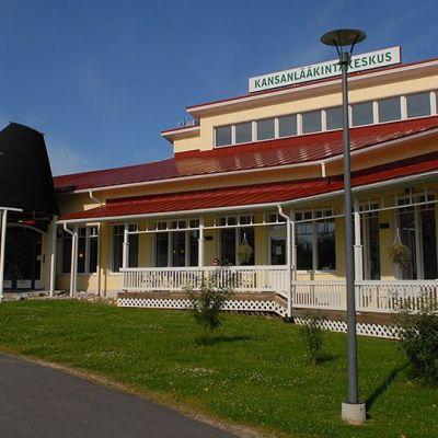 Kuvassa Kansanlääkintäkeskus.