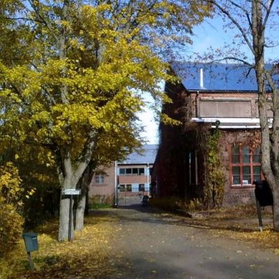 Riihimäen vanhan lasitehtaan alue syksyllä