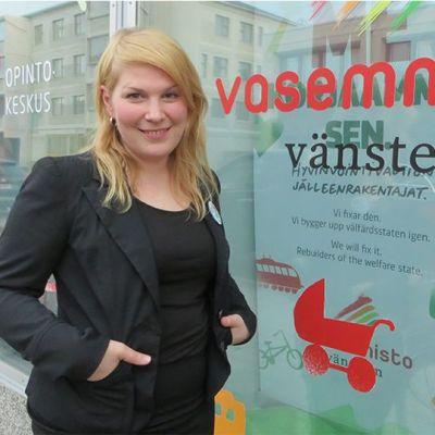 Kansanedustajaehdokas Sari Moisanen (vas.).