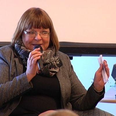Kansanedustaja Maria Tolppanen.