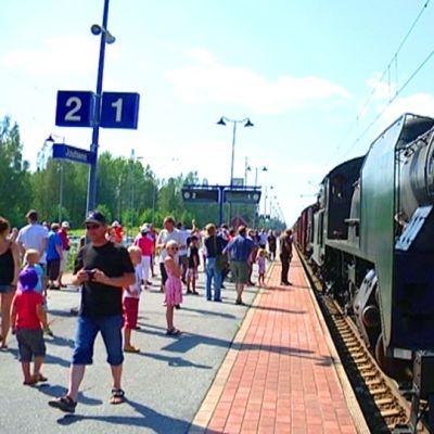 Höyryjuna Joutsenon asemalla Lappeenrannassa