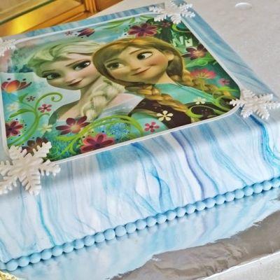 Frozen -kakku.