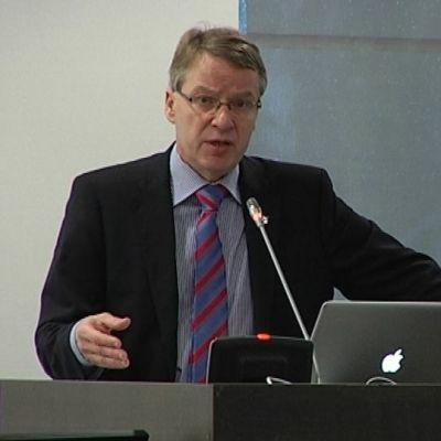 Vantaan kaupunginjohtaja Kari Nenonen.