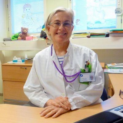 Lastentautien osaston apulaisylilääkäri Anna-Liisa Kuusisto