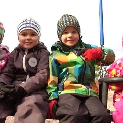 Käpälämäen päiväkodin lapsia Ilmajoella.