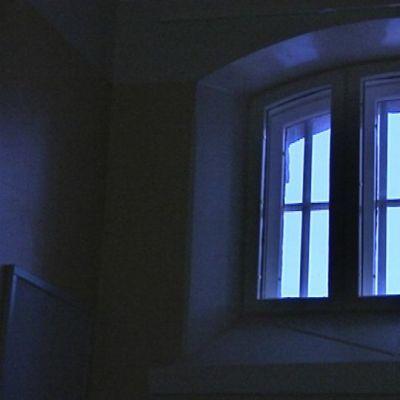 Ikkuna Mikkelin vankilassa.