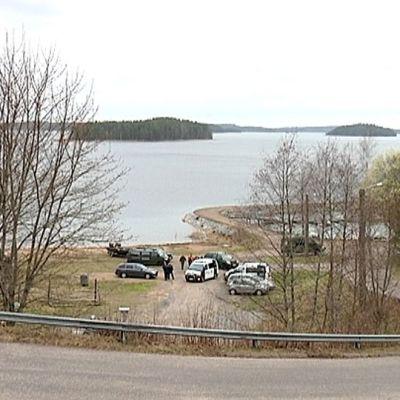 Puolustusvoimat nosti Lappeenrannassa Rakuunanmäen alapuolisella vesialueella sodanaikaisen lentopommin.